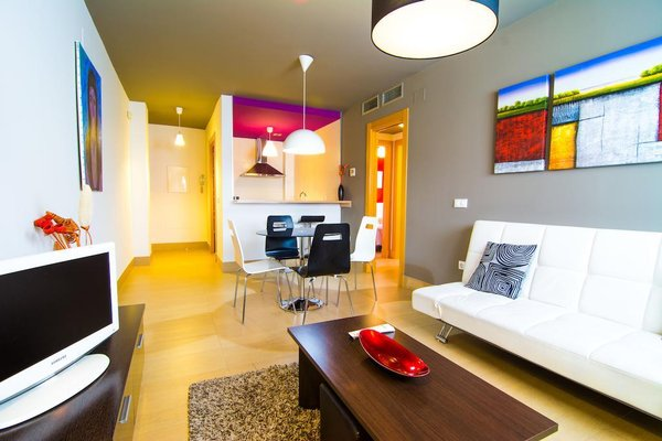 Apartamentos 16:9 Suites Almeria - фото 8