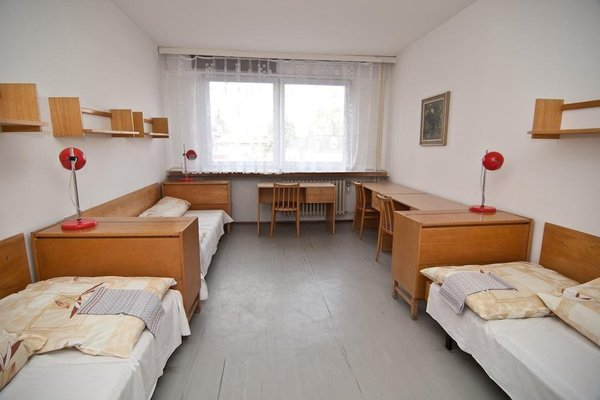Domov mladeze a skolni jidelna Karlovy Vary - 16