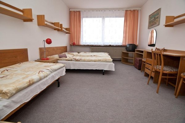 Domov mladeze a skolni jidelna Karlovy Vary - 4