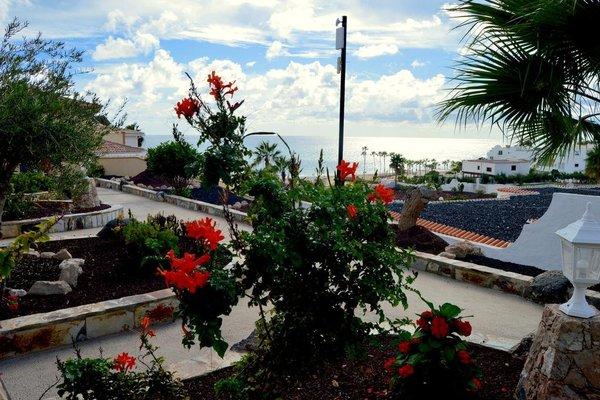 Bahia Calma Beach - 17