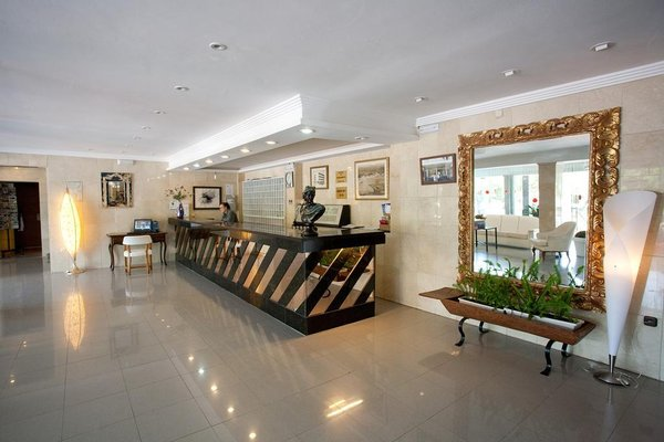 Hotel y Apartamentos Playa Mar - 15