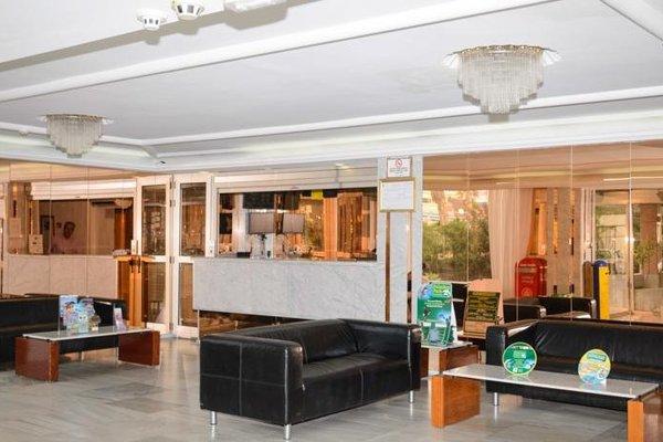 Apartamentos Las Arenas - 12