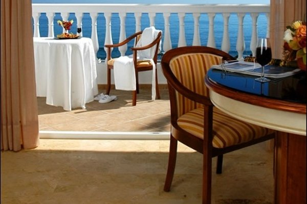 El Oceano Beach Hotel - фото 11