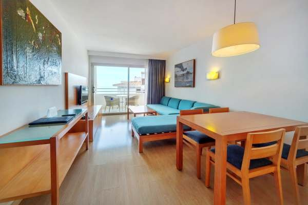 Aparthotel Fontanellas Playa - фото 3