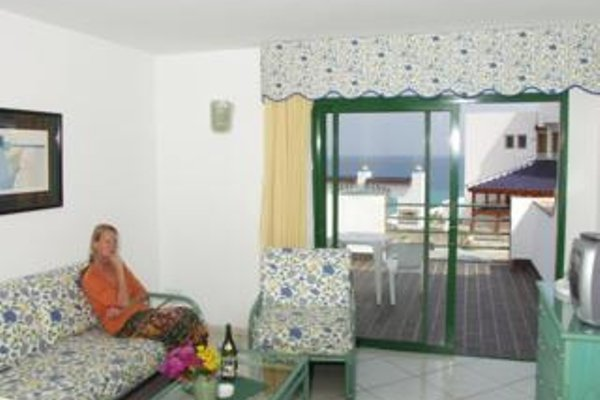 Aparthotel Esquinzo Y Monte Del Mar - фото 4