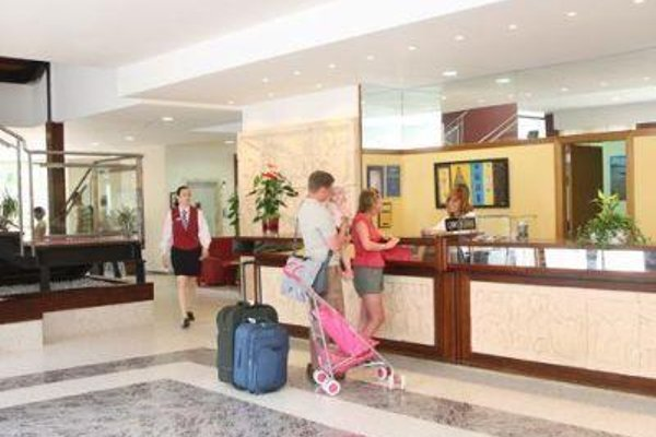 Cala Blanca Sun Hotel - 14