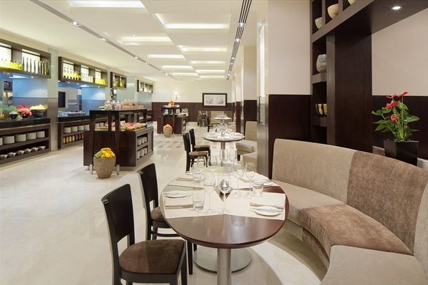 Hyatt Regency Dubai - Corniche - 10