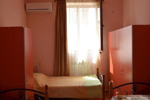 Balcony Villa Hostel - фото 14