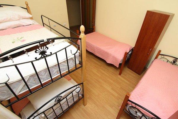 Balcony Villa Hostel - фото 5