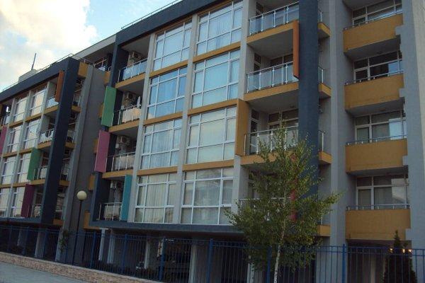 Sun City Apartments - фото 4