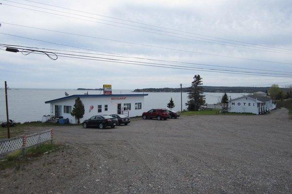 Bay Breeze Motel - фото 12