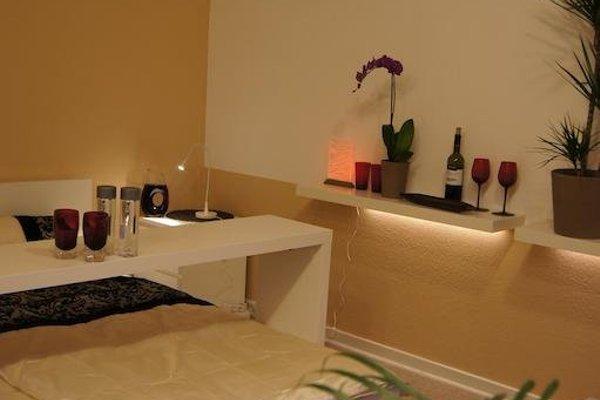 City Centre Green Luxury Room - фото 5