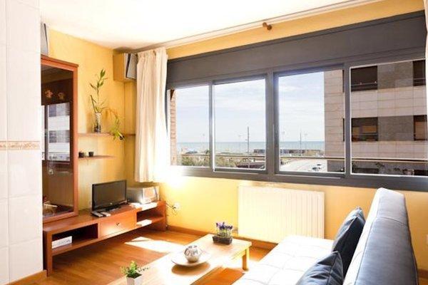 AB Beach Views Apartments - фото 19