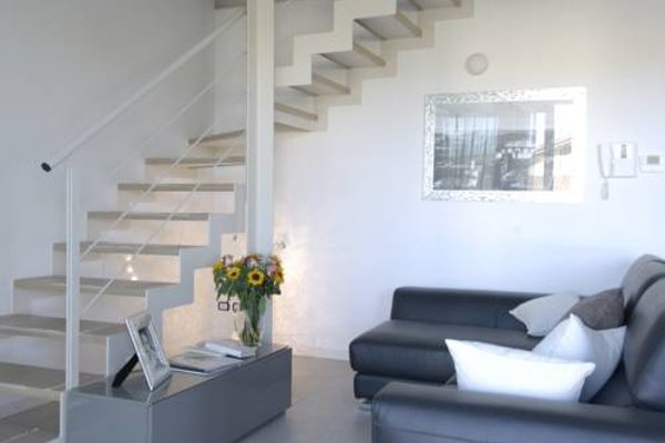 Sirmione Halldis Apartments - фото 7