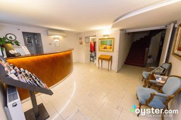 Hotel Bellevue Montmartre - 16