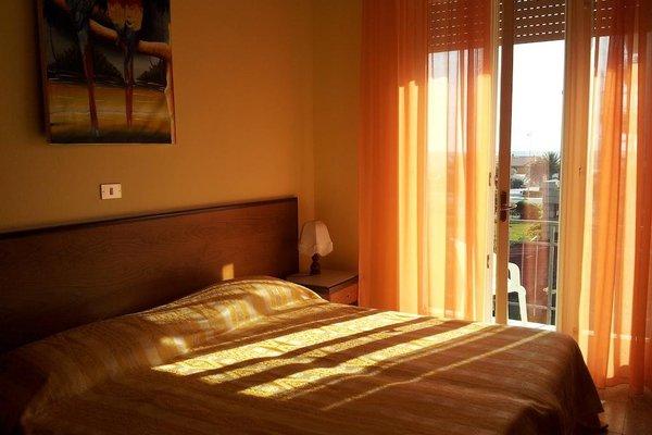 Hotel Montecarlo - 4