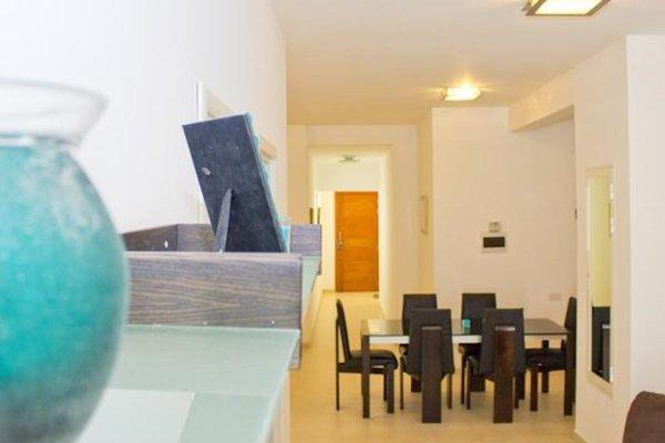 Modern Apartment in Swieqi Malta - фото 12