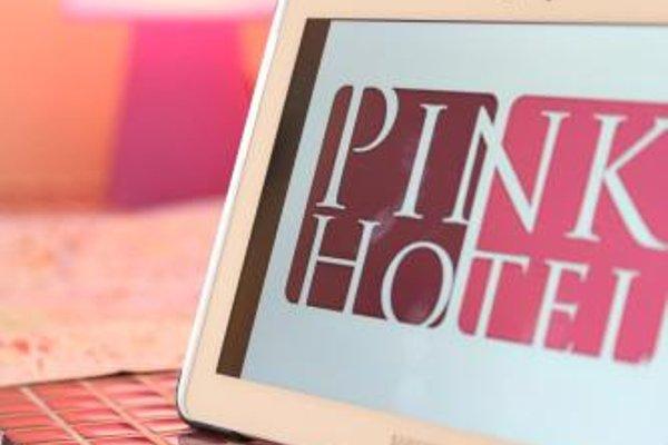 Pink Hotel - 5