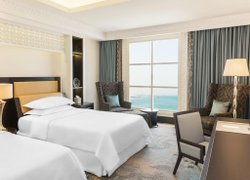 Sheraton Sharjah Beach Resort and Spa фото 2