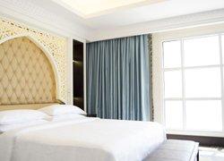 Sheraton Sharjah Beach Resort and Spa фото 3