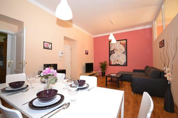 Melantrich Apartments - фото 17