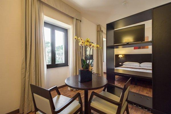 Regal Park Hotel - фото 3