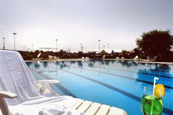 Aris Garden Hotel - фото 20