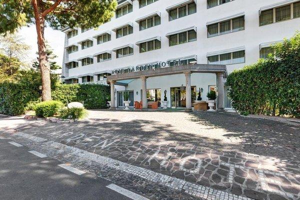 Aris Garden Hotel - фото 23