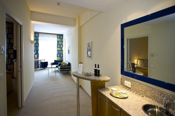 Starlight Suiten Hotel Renngasse - 6