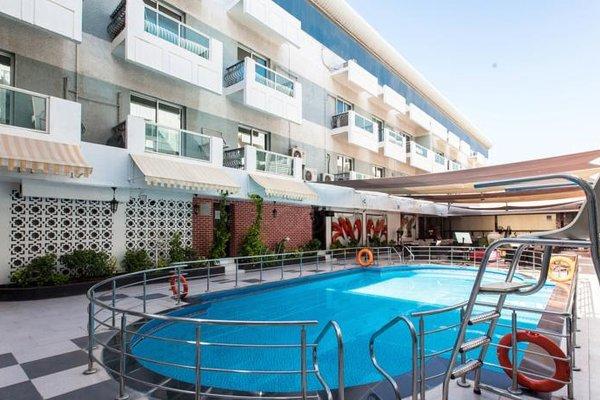 Fortune Karama Hotel - фото 33
