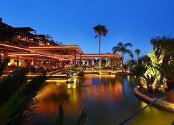 Отель Four Seasons фото 2
