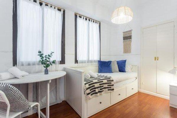Lodging Apartments Camp Nou - 13