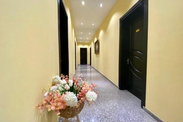 Four Seasons Hotel - 15