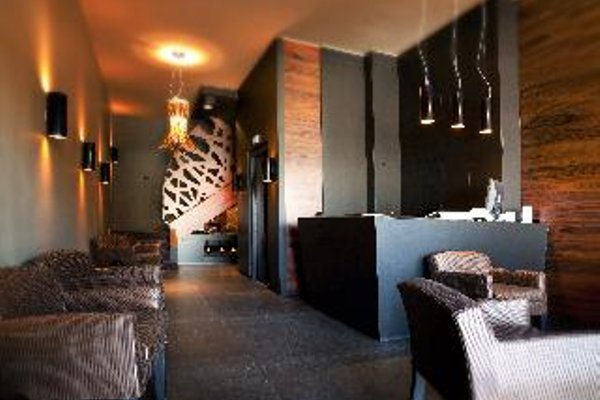 L'Hotel - фото 10