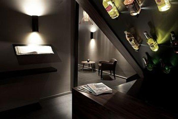 L'Hotel - фото 16