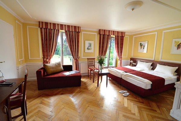 Chateau de Pourtales - 50