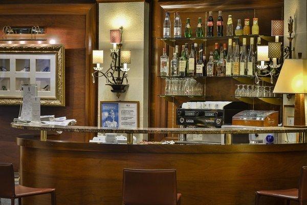 Hotel Maison Rouge - 13