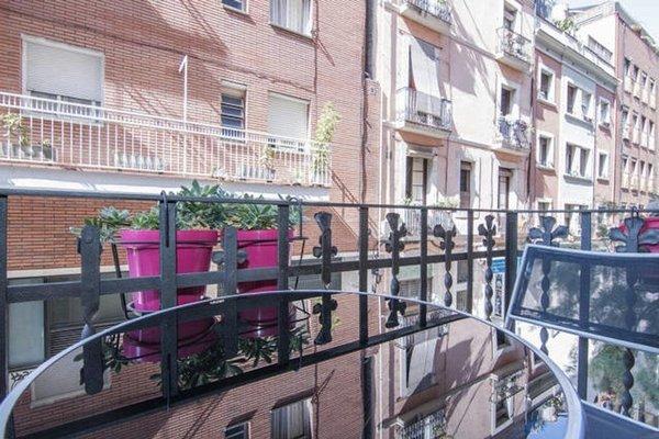 Sagrada Familia Apartment Balcony - фото 22