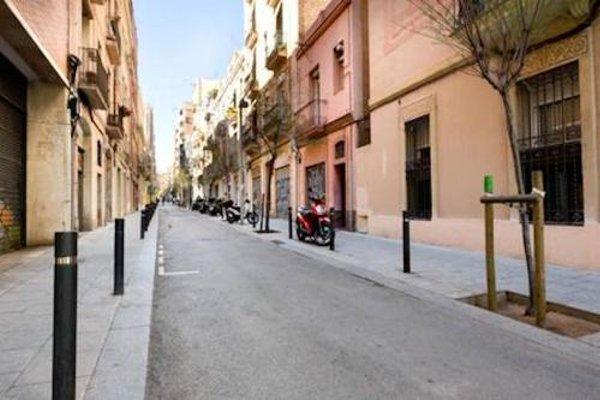 Sagrada Familia Apartment Balcony - фото 23