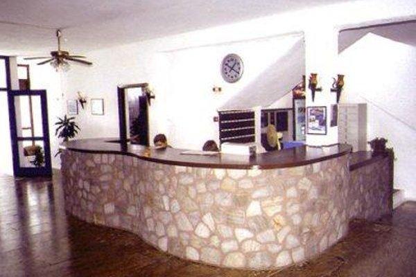 Lagada Beach Hotel - фото 16