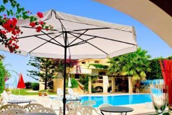 Petra Beach Hotel - фото 14