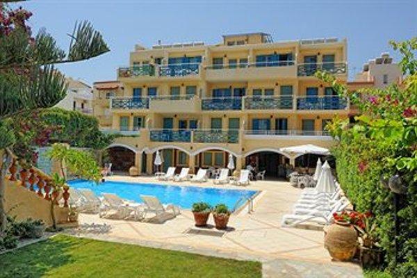 Petra Beach Hotel - фото 22