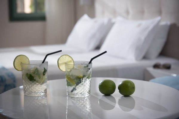 Petra Beach Hotel - фото 5