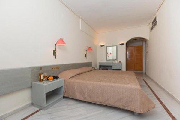 Samaina Port Hotel - 3
