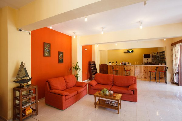 Babis Hotel - фото 4