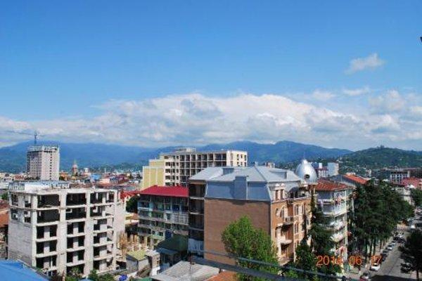 Irakli's Apartment with Sea view - фото 4
