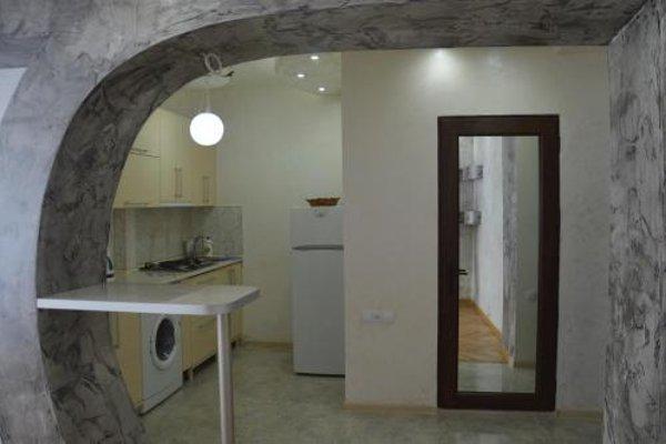 Irakli's Apartment with Sea view - фото 5