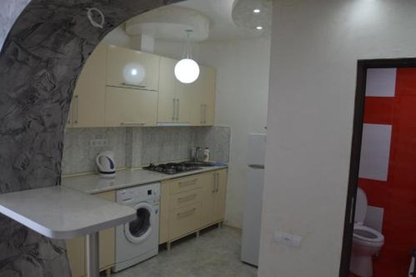 Irakli's Apartment with Sea view - фото 6