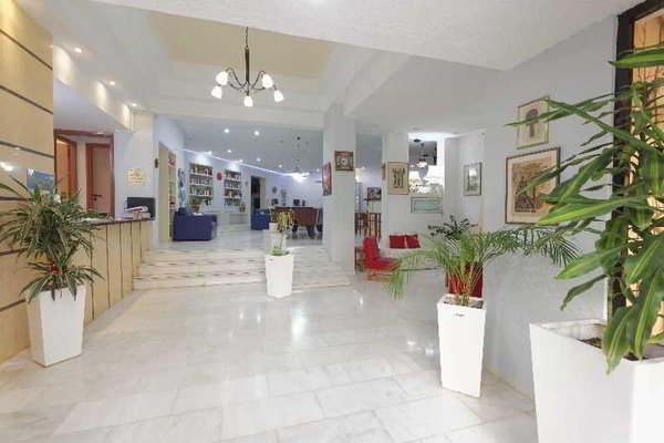 Latania Apartments - фото 11