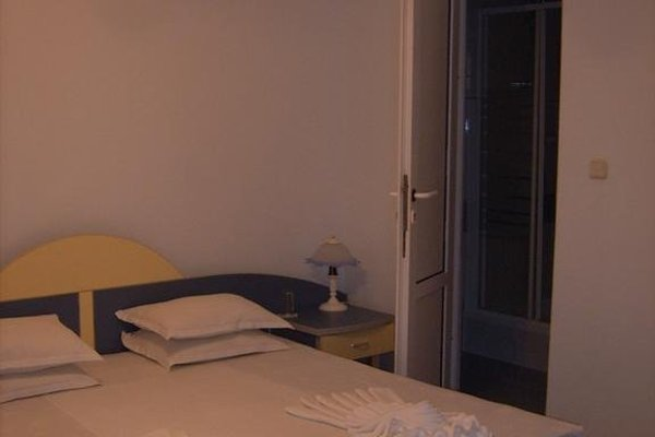 ADIS Holiday Inn Hotel - фото 5